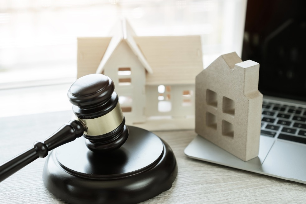 What are the stages of foreclosure?